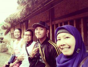 Di rumah adat Lombok