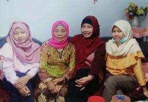 Lerbaran Bersama Keluarga